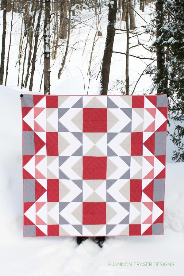 Mod Rose Modern Aztec Quilt in the Wild | Shannon Fraser Designs #quiltsinthewild #modernquiltpattern
