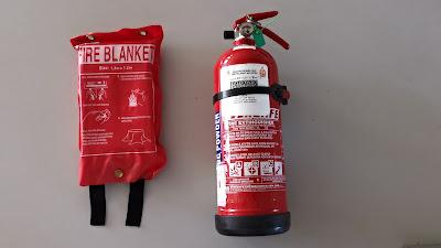 Selimut kebakaran dan Pemadam Api Jenis ABC