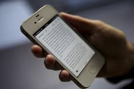 Reading from smartphone in bed at night can cause blindness