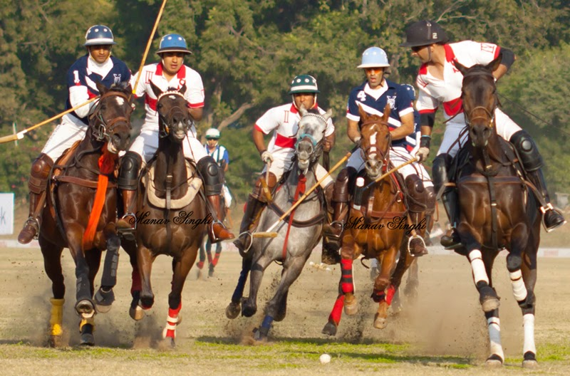 Horse Polo Going at Rambagh Polo Ground which is also a Part of Central Park. And this is the 3rd best Polo Ground in India.
