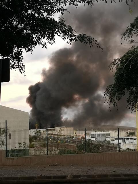 videos fotos incendio polígono Las torres las palmas de gran canaria
