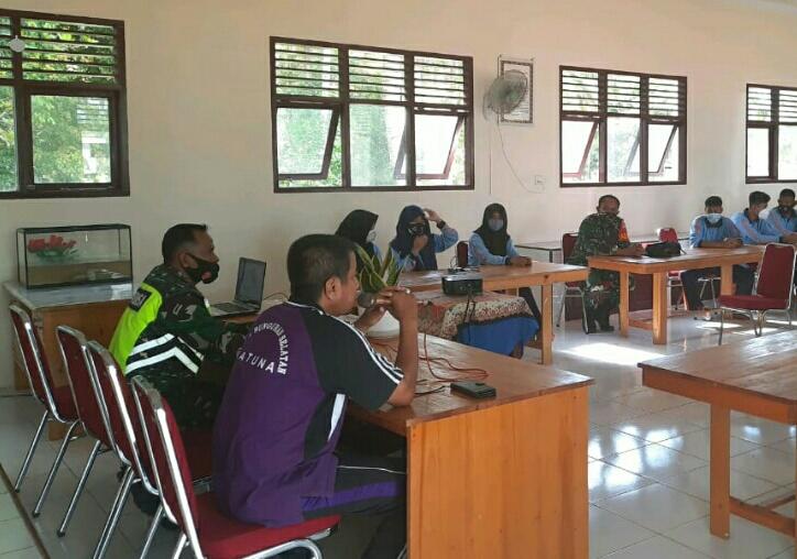 Babinsa David Alaslan  Sosialisasikan Geopark Natuna Kepada Siswa SMP Negeri I Bunguran Selatan