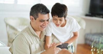 Pendampingan Anak Untuk bermain Smartphone