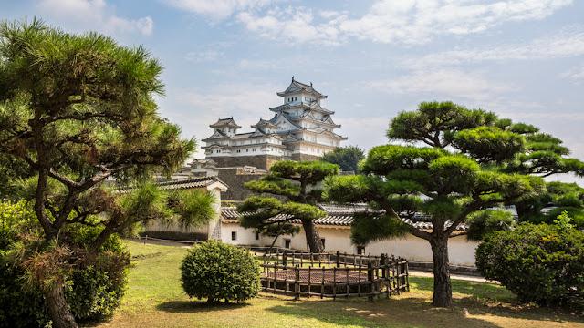 Castillo de Himeji :: Canon EOS5D MkIII | ISO100 | Canon 17-40@32mm | f/10 | 1/125s