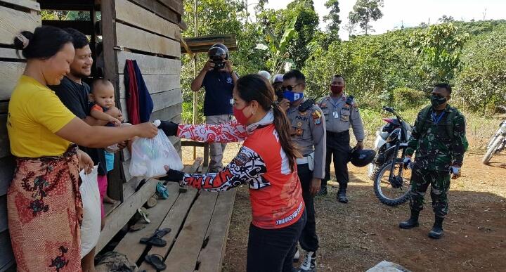 Peduli Warga Terdampak Covid-19 Kodim 0910/Malinau Dan Polres Laksanakan Giat Touring Sosial