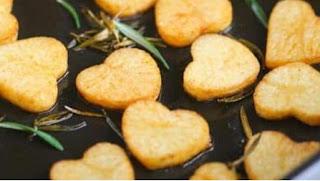 طريقة تحضير البطاطس المشوية بالصور .