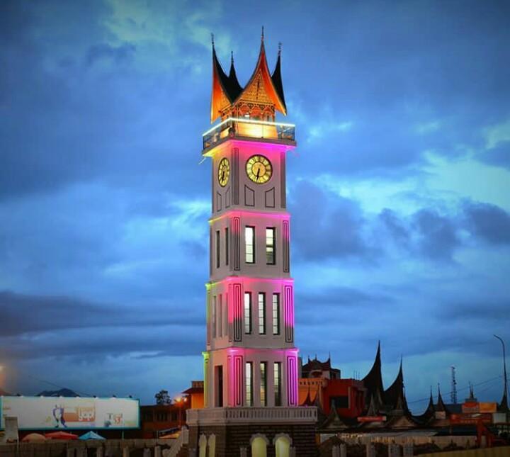 Jam Gadang Wisata Ikonik Di Bukittinggi Padang Sumatera Barat Jejak Kenzie