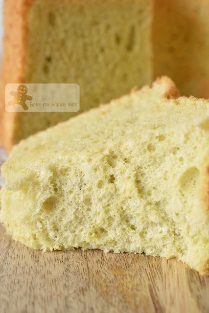 soft cottony pandan chiffon cake