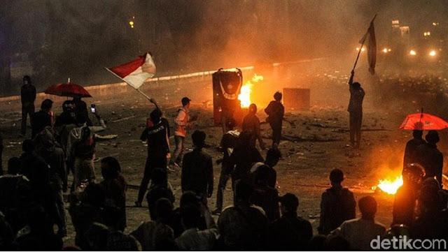 169 Tersangka Ricuh Demo Omnibus Law Se-Indonesia Ditangkap, Ada Ibu-ibu