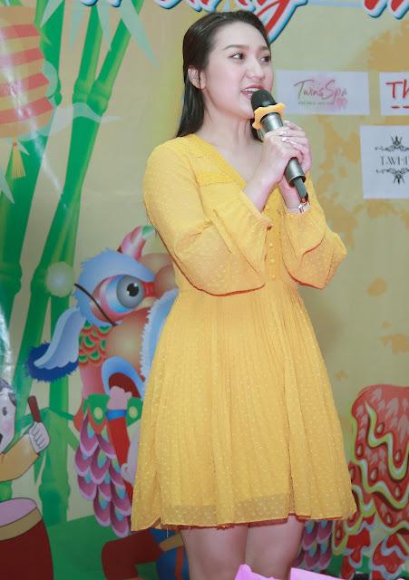 Cao Mỹ Kim xúc động trao hơn 800 phần quà cho người nghèo - Ảnh 2