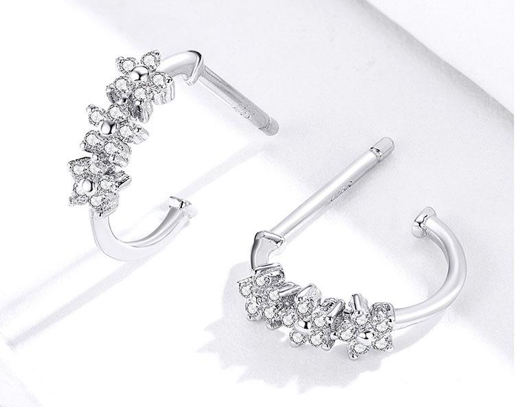 細緻彎曲鋯石小花 925純銀耳環