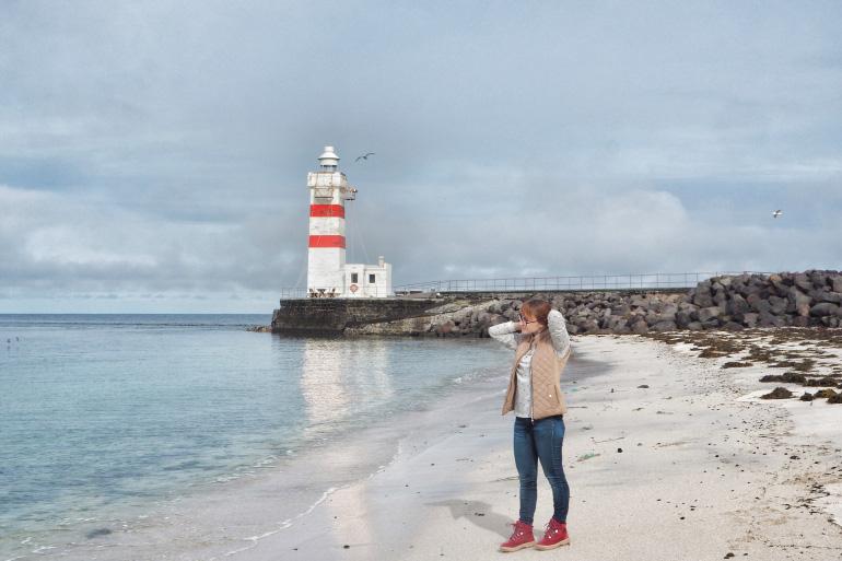 Séjour en Islande - la plage et le phare de Garður