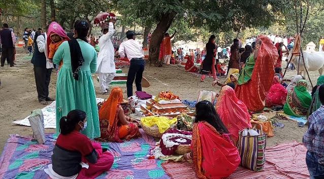 लखनऊ : बड़े ही हर्षोउल्लास के साथ कुकरैल जंगल में मनाया  गया छठ पूजा का महापर्व