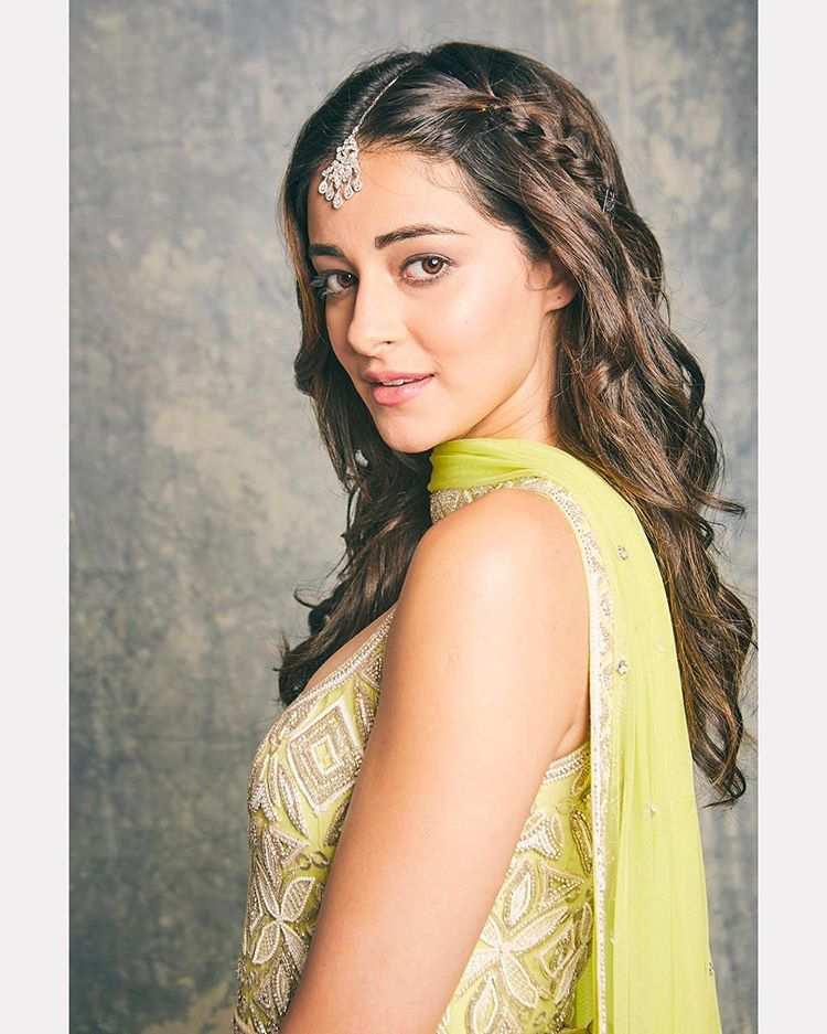 Bollywood Actress Ananya Pandey hd wallpaper.