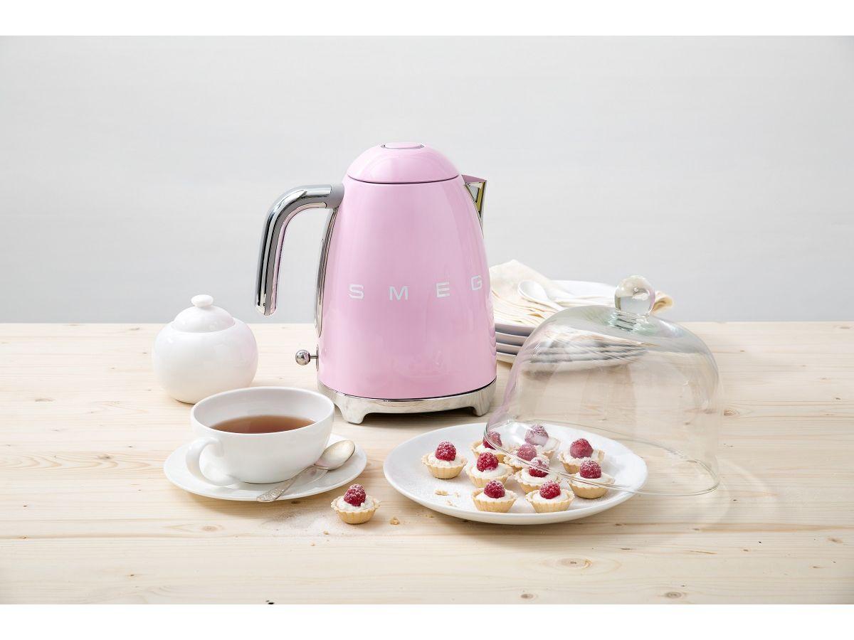 SMEG różowy czajnik