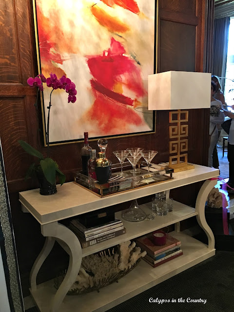 Console Table Ethan Allen - Inspiration from a Designer Showhouse