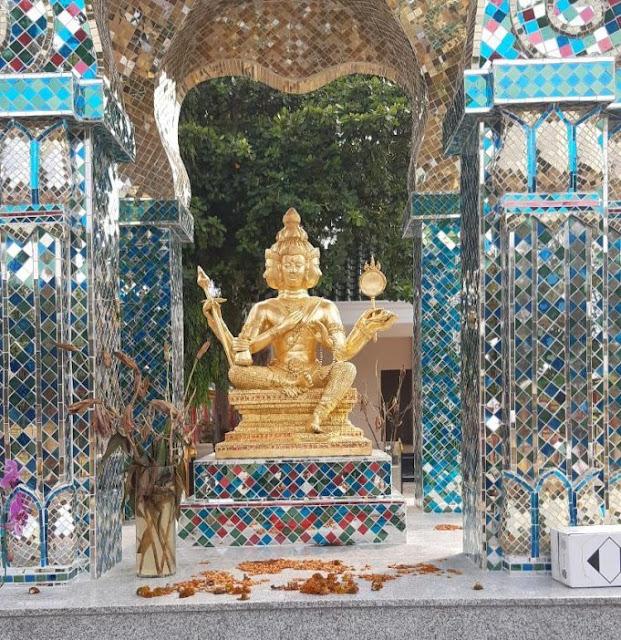 Patung Buddha empat wajah di Tuban.