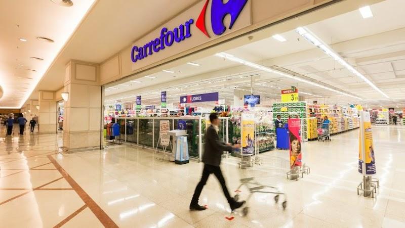 Carrefour arrecada 126 mil peças de roupas durante a Campanha do Agasalho