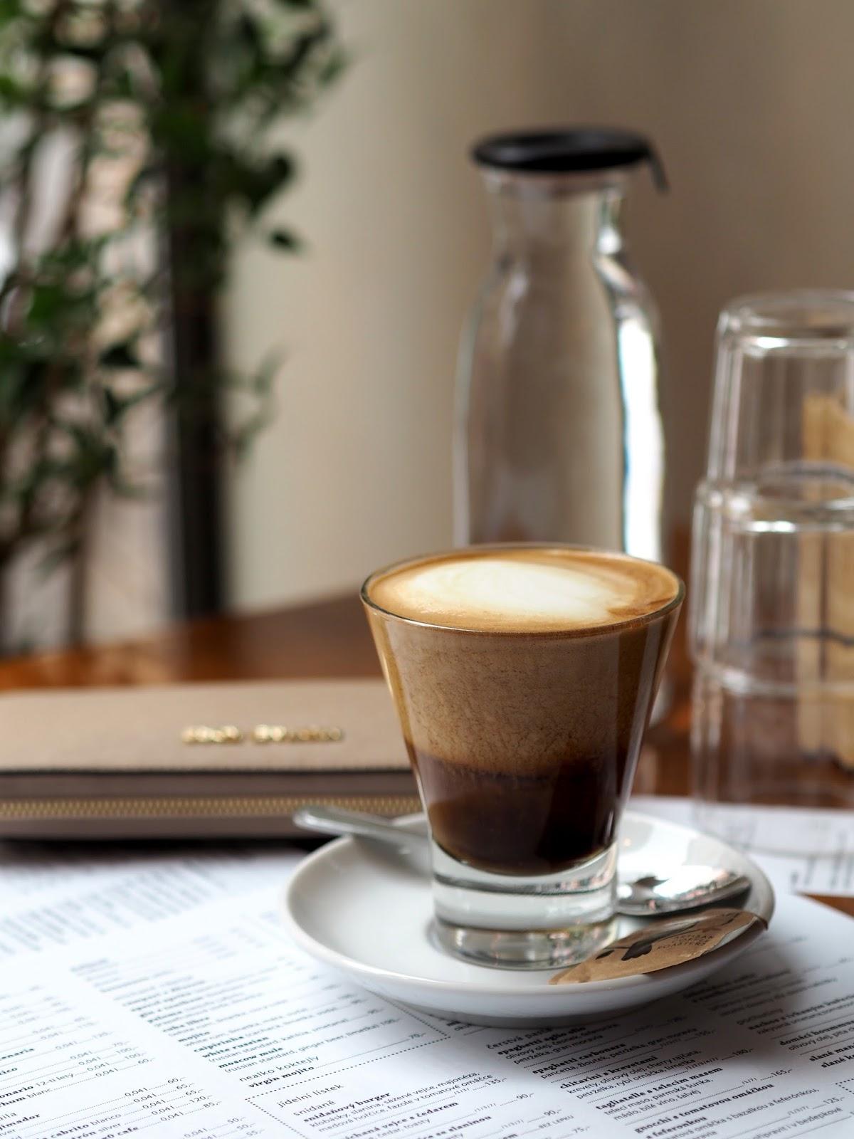 café pavlač praha žižkov
