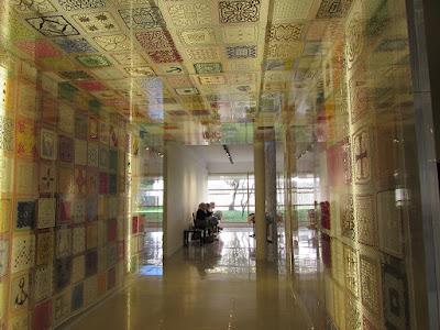 Renda de Bilros no museu em Vila do Conde e rendilheiras ao fundo