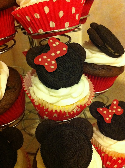 Oreo Minnie Mouse Cupcake