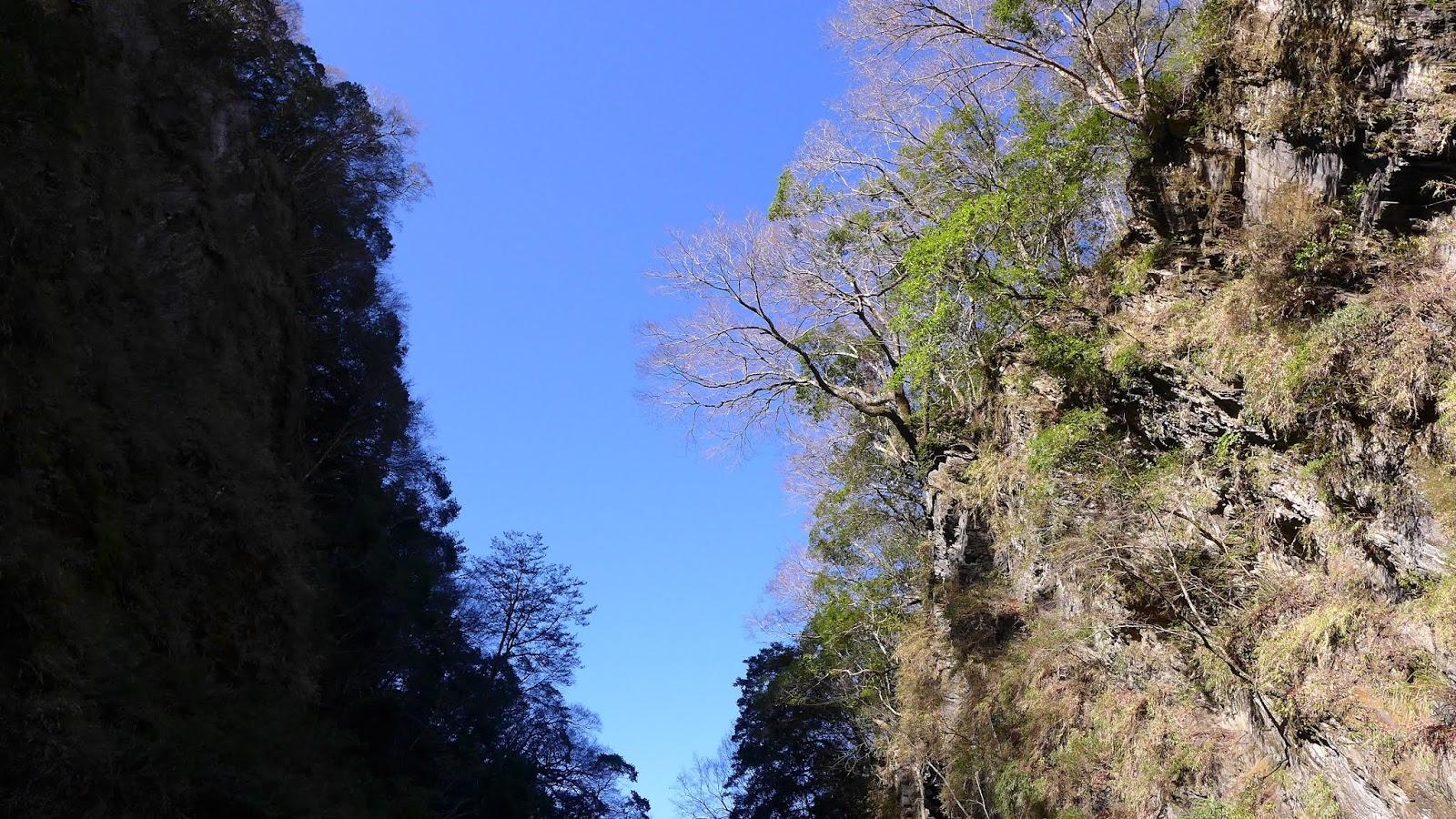 宸於山林水間-前往,看見,體驗中: 萬大北溪溫泉露營記