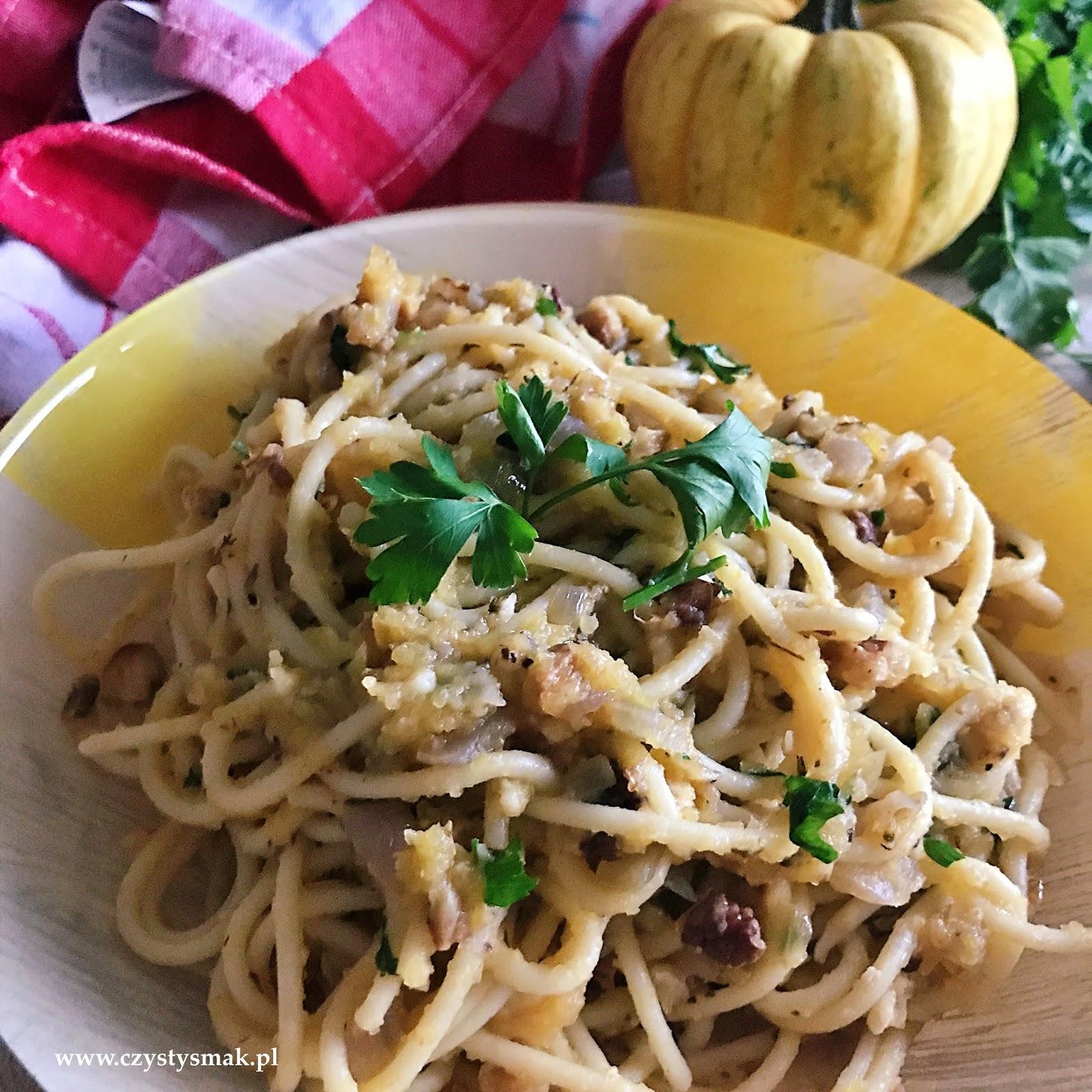 Spaghetti z sosem dyniowym