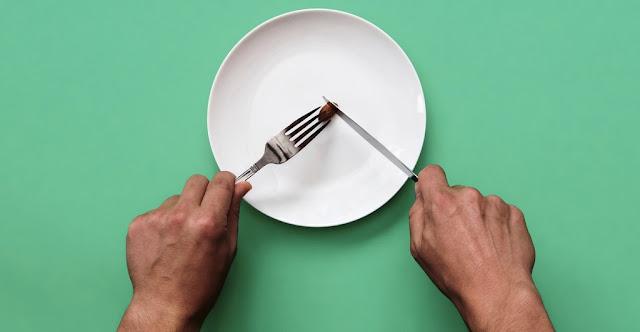 Ilustrasi makan sangat sedikit