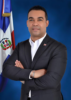 Cónsul Dominicano en Islas Canarias Dona su salario para afectados por el COVID-19