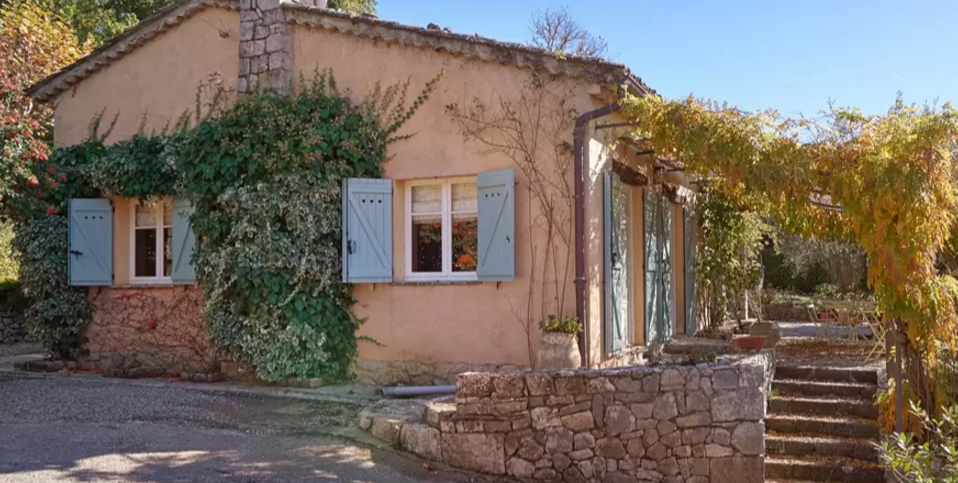 The provence post julia child 39 s provence house is for rent for Provence home