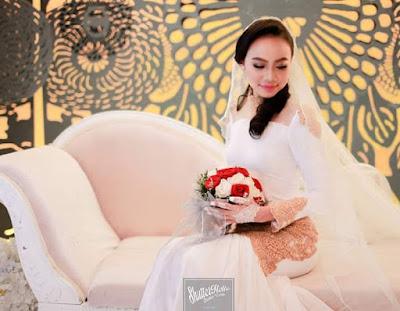 Gambar pernikahan King coco dan pasangan