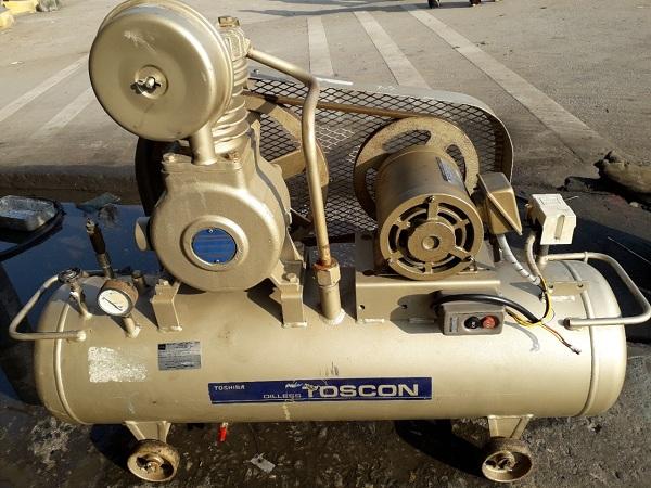 máy nén khí cũ piston không dầu toshiba 1.5 kw dùng cho nha khoa, y tế...