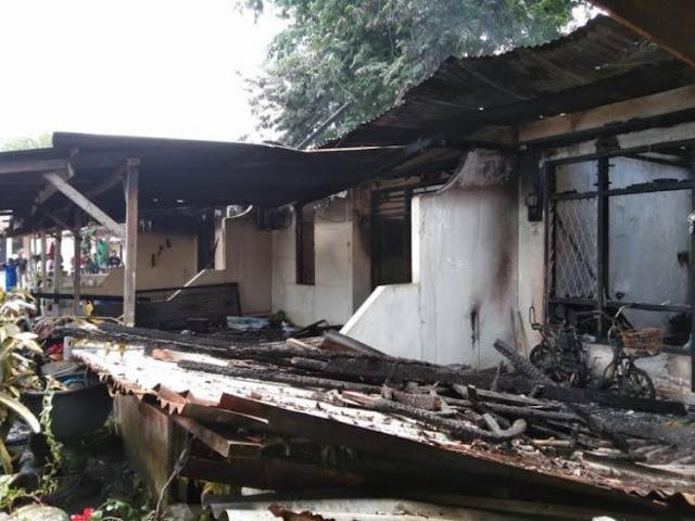 4 Rumah Dinas Polsek Tanjungbalai Selatan Hangus Terbakar