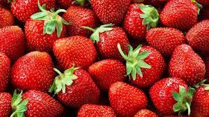 تناول 15 حبة فراولة تحميكي من الاصابة بسرطان الثدى