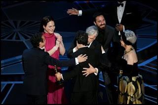 Premios Óscar 2018: Rita Morena y el equipo de Una mujer fantástica