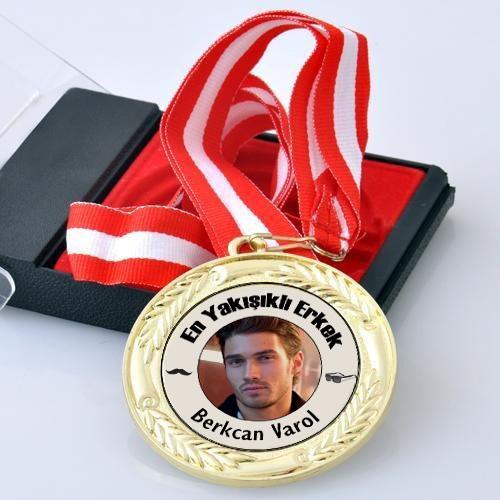 En iyi Sevgilisi Madalyonu