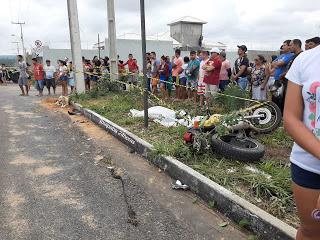 COLISÃO ENTRE CARRO E MOTO DEIXA JOVEM MORTO EM TIANGUÁ