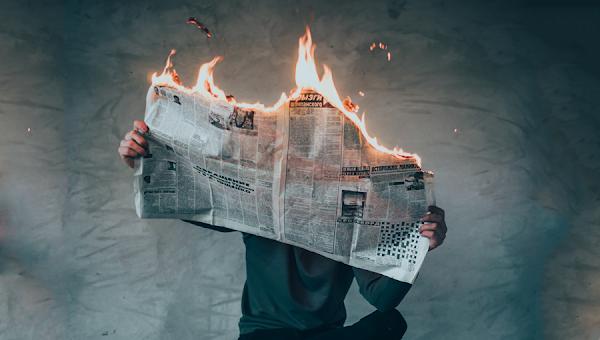 El control de los medios de Comunicación | por Noam Chomsky