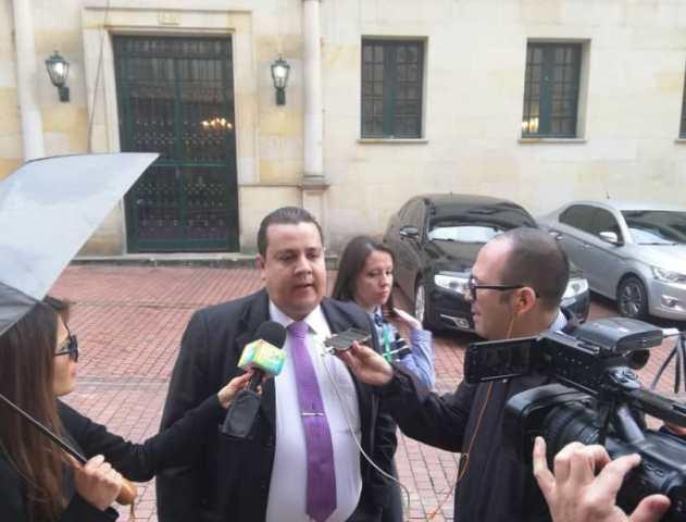 VENEZUELA: Informe de FundaRedes confirmaría denuncia de Duque contra Maduro sobre presencia de grupos irregulares.