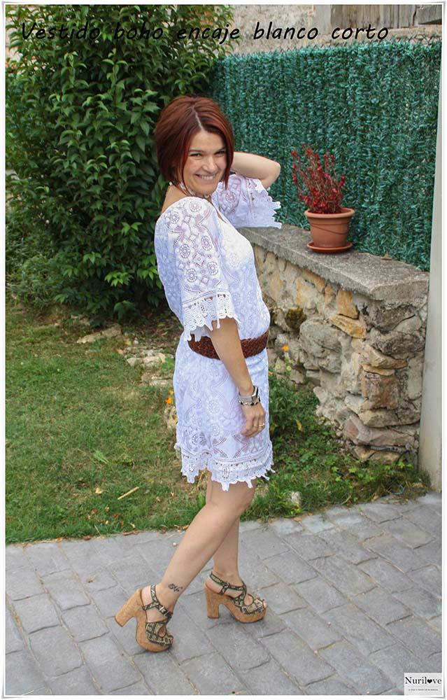 vestido boho de encaje blanco ideal para los días de verano