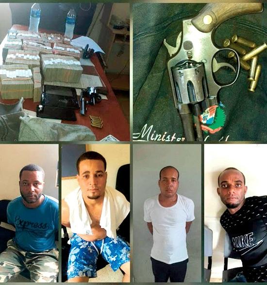 Policía ocupa cinco millones de pesos , dólares y armas a los asaltantes de sucursal del Banco de Reservas en Sabana de la Mar