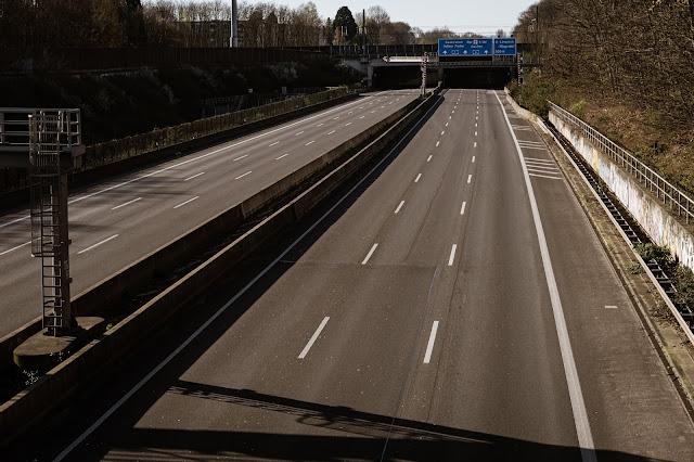Autobahn di Jerman, jalan bebas hambatan tercepat.