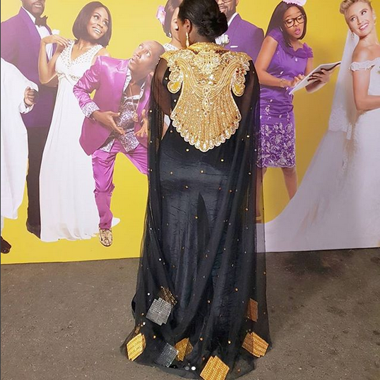 Toolz-shows-off-back-side-at-the-Arabian-Night-theme-Premiere-of-The-Wedding-Party-2-Destination-Dubai