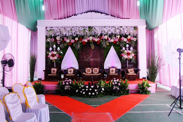 Dekorasi pelaminan pernikahan adat jawa modern modifikasi