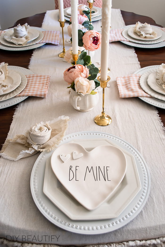 pink Valentines Day table