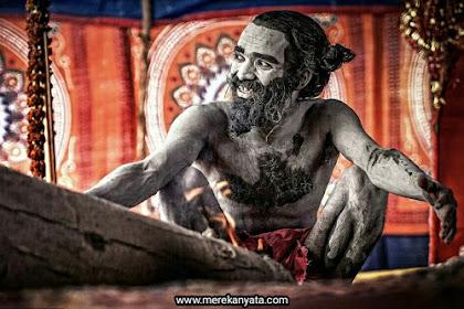 Suku Aghori dan Hal-Hal Aneh yang Mereka Lakukan