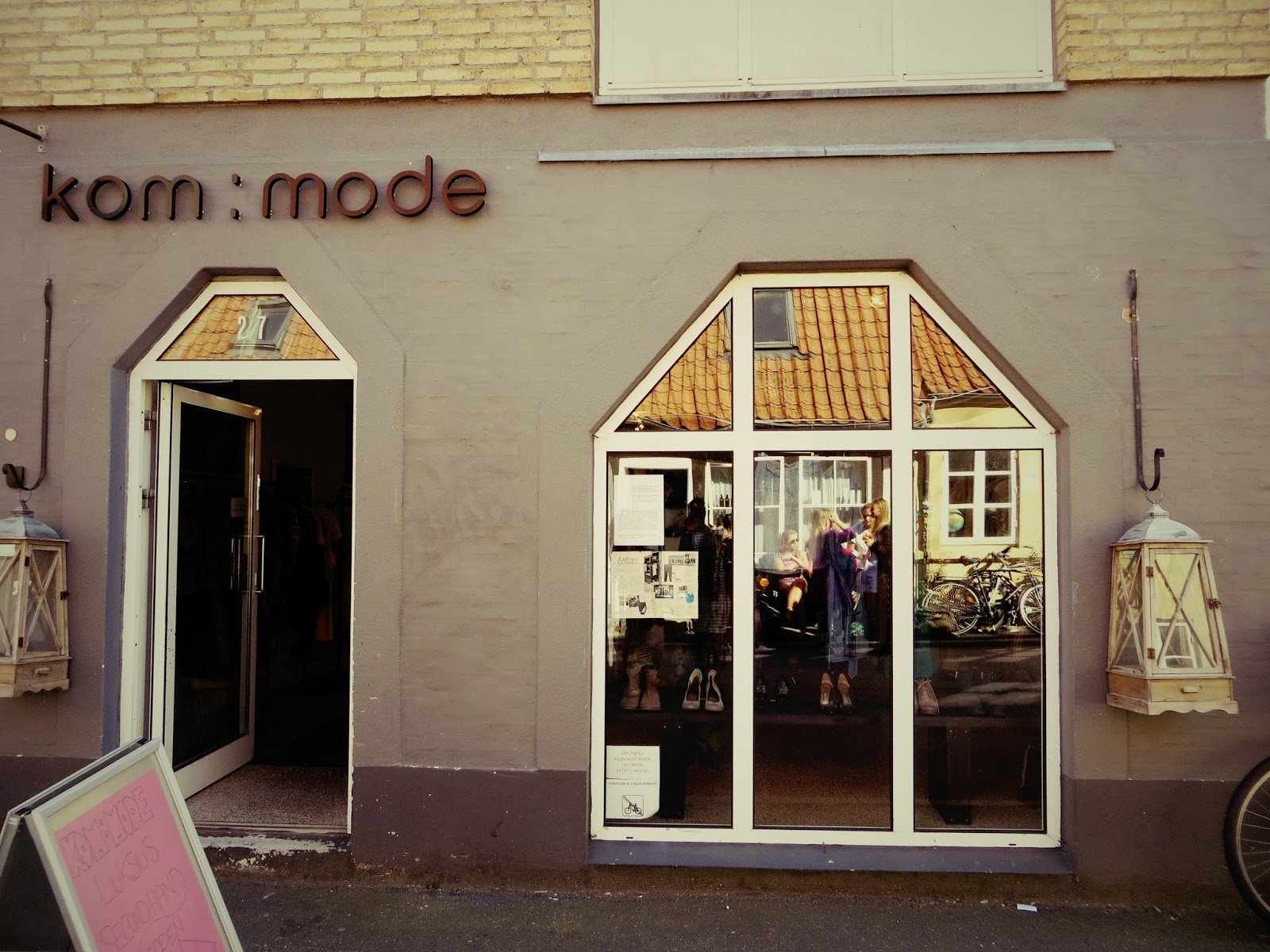 http://www.thecapitalf.com/2015/08/favorite-second-hand-store-in-aarhus.html