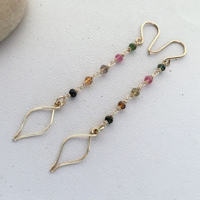 Free wire wrapping tutorial: learn to make wire leaves and feathers at Lisa Yang's Jewelry Blog
