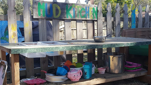 DIY Mud Kitchen!