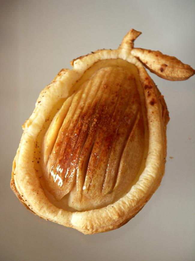 gruszki zapiekane w cieście francuskim